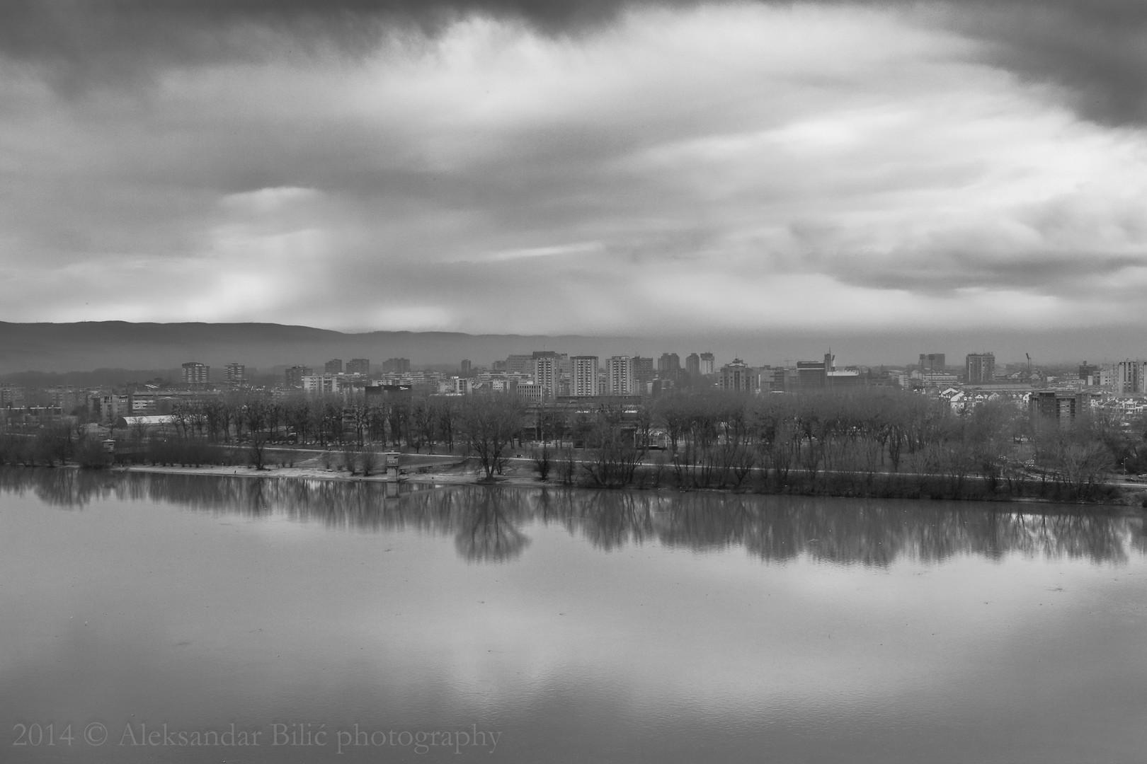 S one strane Dunava
