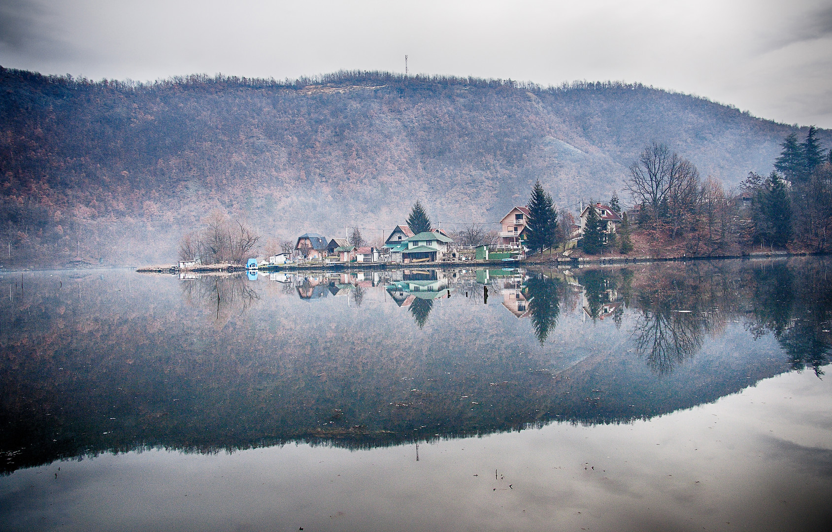 Natural Reflection - Lake Međuvršje