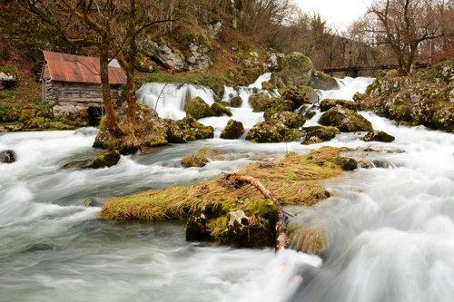 Avanti reka Krupa