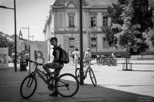 Blondie Devojka na biciklu