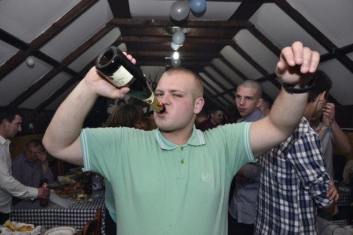 "BlueSabbath ""Udara u glavu ko' šampanjac"""