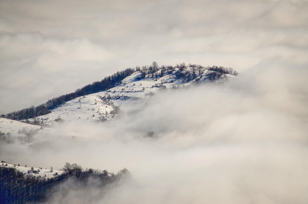Između oblaka