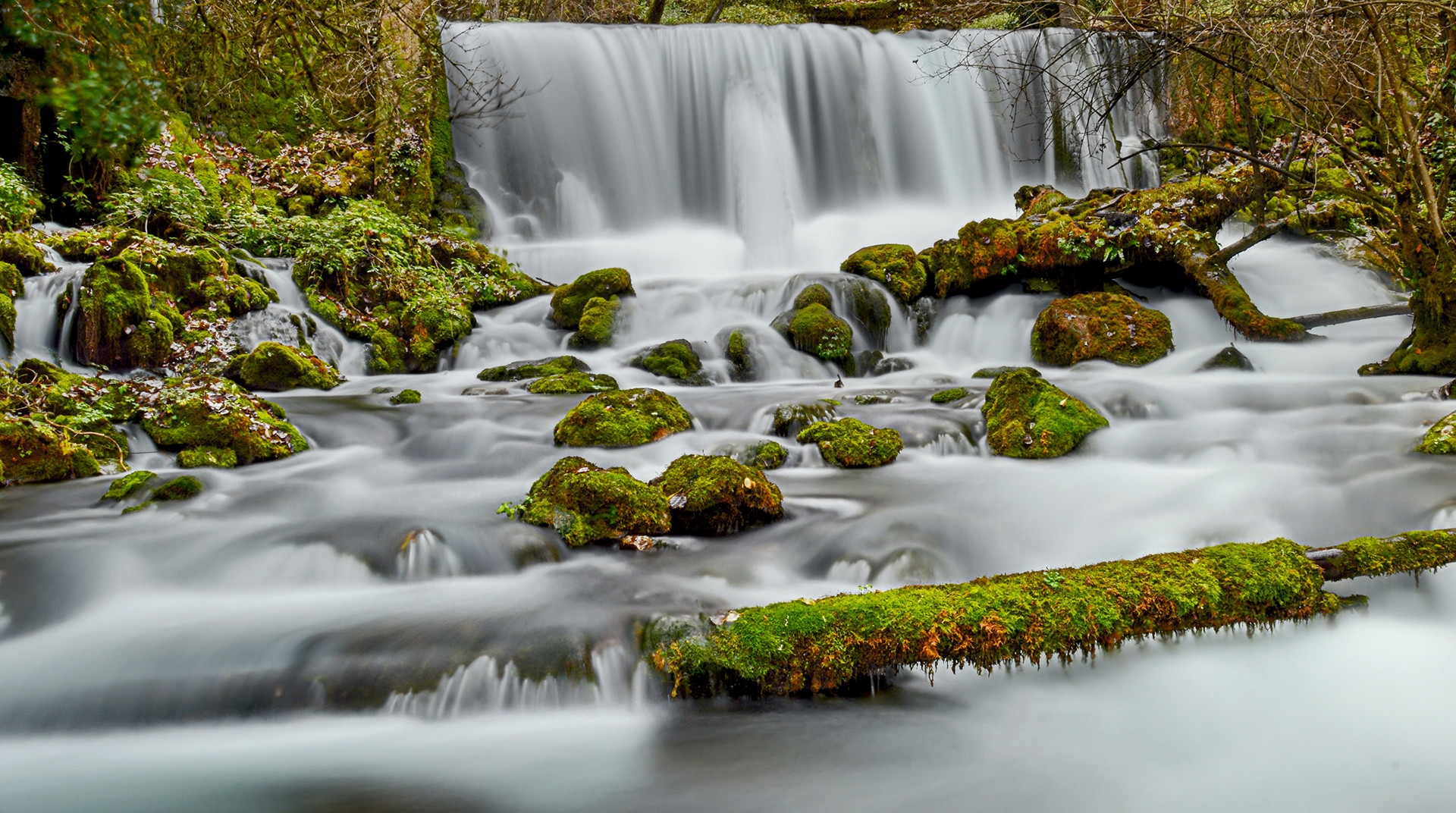 Na izvoru reke Vrelo.