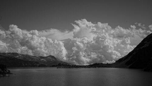 DIvan Pod oblacima