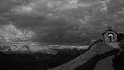 DIvan Pred oluju
