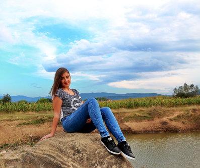 Grimasa Na jezeru