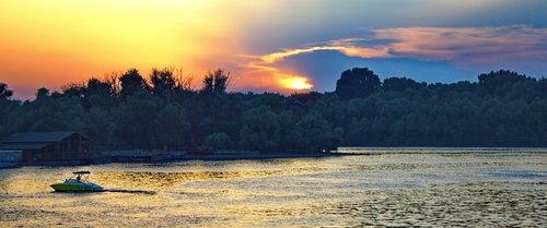 Grimasa tamo... pogled sa pristaništa Beograd
