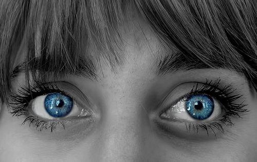 Irena U jednim  plavim  očima..