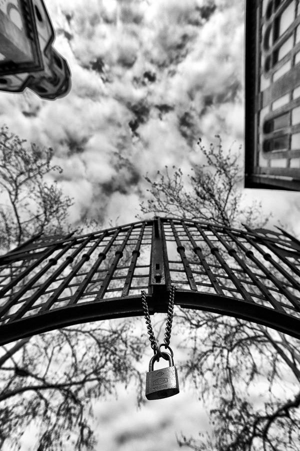 Locked sky