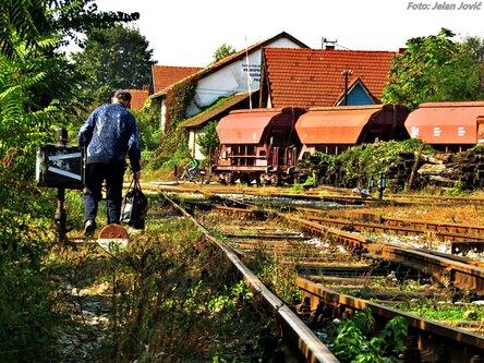 Jekisa Man on Rail
