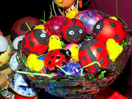 Krisstalcic Ladybug in colorful eggs