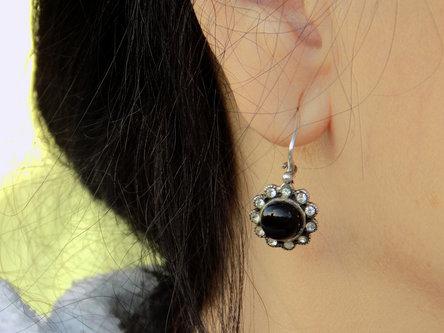 Krisstalcic Black earring