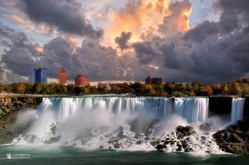 LightHunter Niagara Falls ...