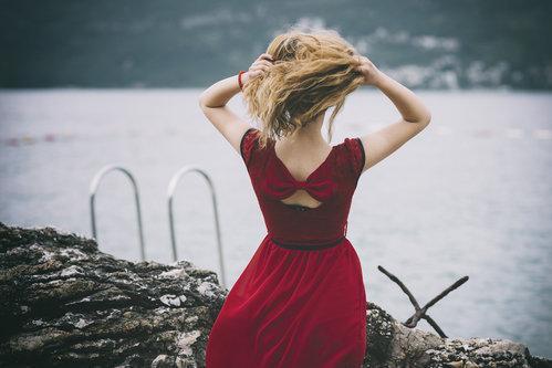 Ljuba Lady in red