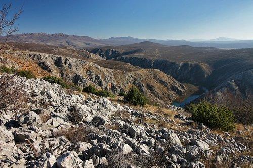 Merina Kamen i rijeka