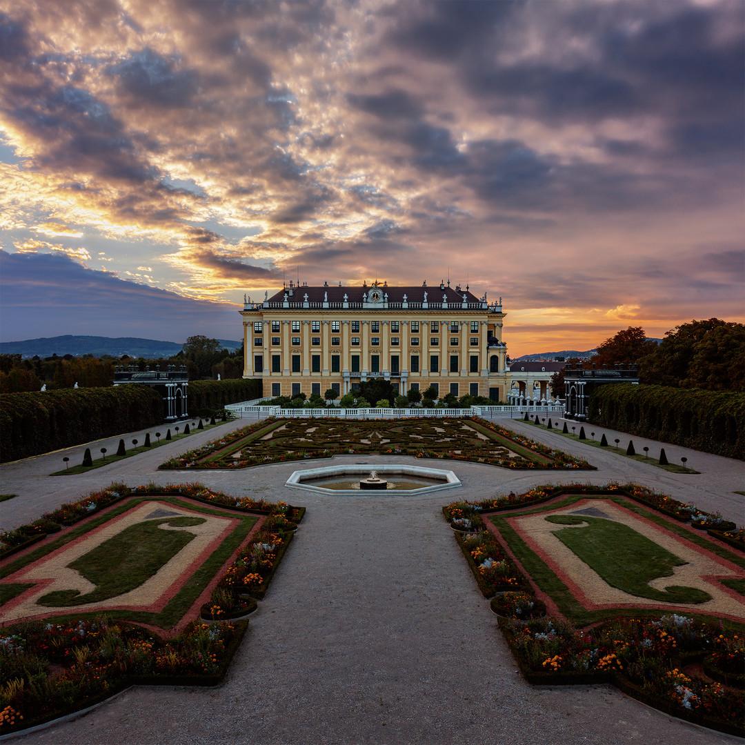 Schönbrunn   Kronprinzengarten sunset...