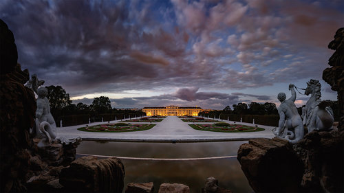 Nenad_Ristic Night comes in Schönbrunn...