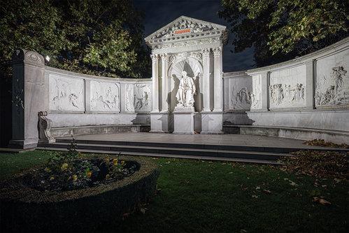 Nenad_Ristic Grillparzerdenkmal...