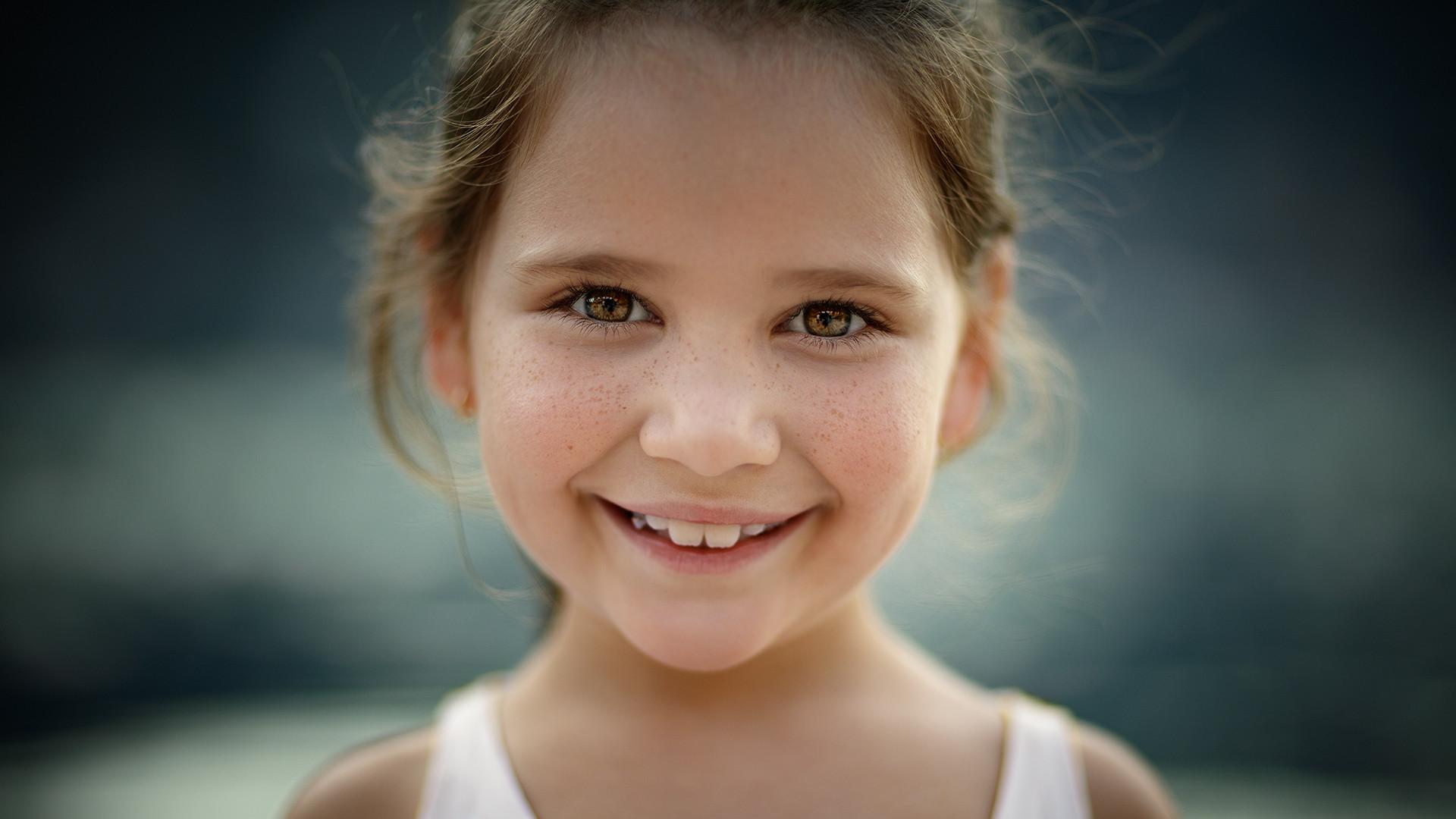 Charismatic little girl...
