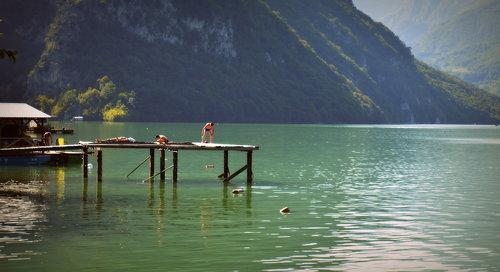 Nensi Jezero Perucac