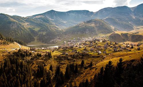 Nermin Pogled na Prokoško jezero