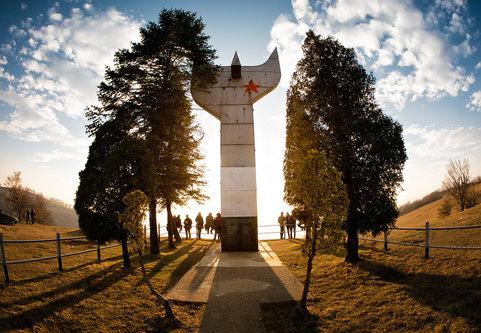 Nermin Zenica - Smetovi - spomenik antifašizmu