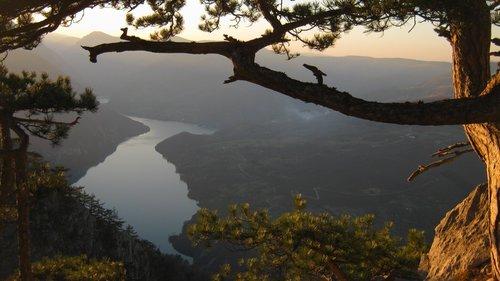 NikolaRadojicic Sa pogledom na jezero