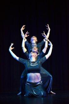 Ogimaster Orient dancers