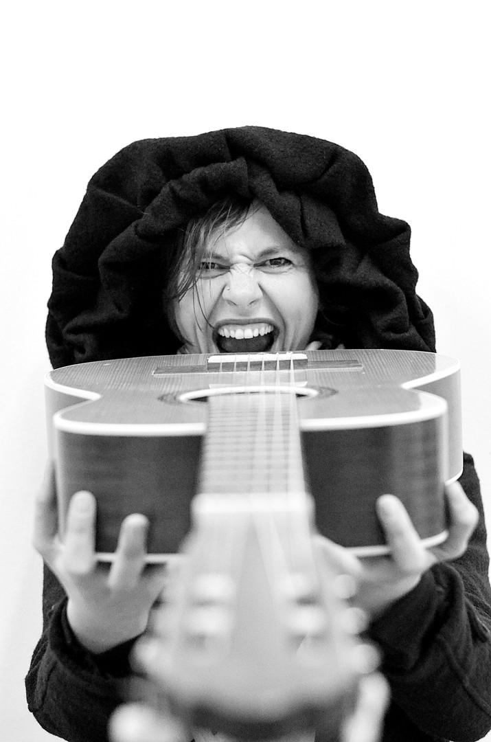 Glad za gitarom