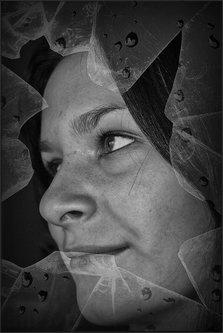 Pajo-foto Slomljeno staklo 03