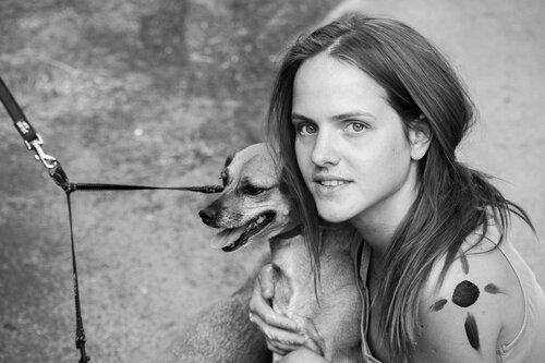 Pukylly Portret djevojke sa psom
