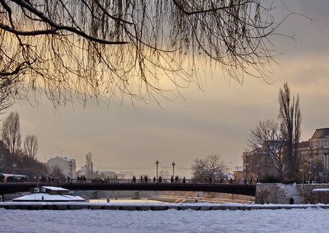 Steva Pogled na most sa keja