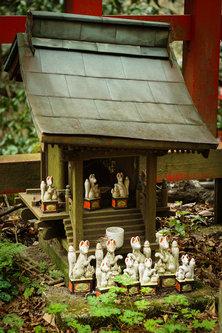 Thalabai Mushi-shi (forest spirits)