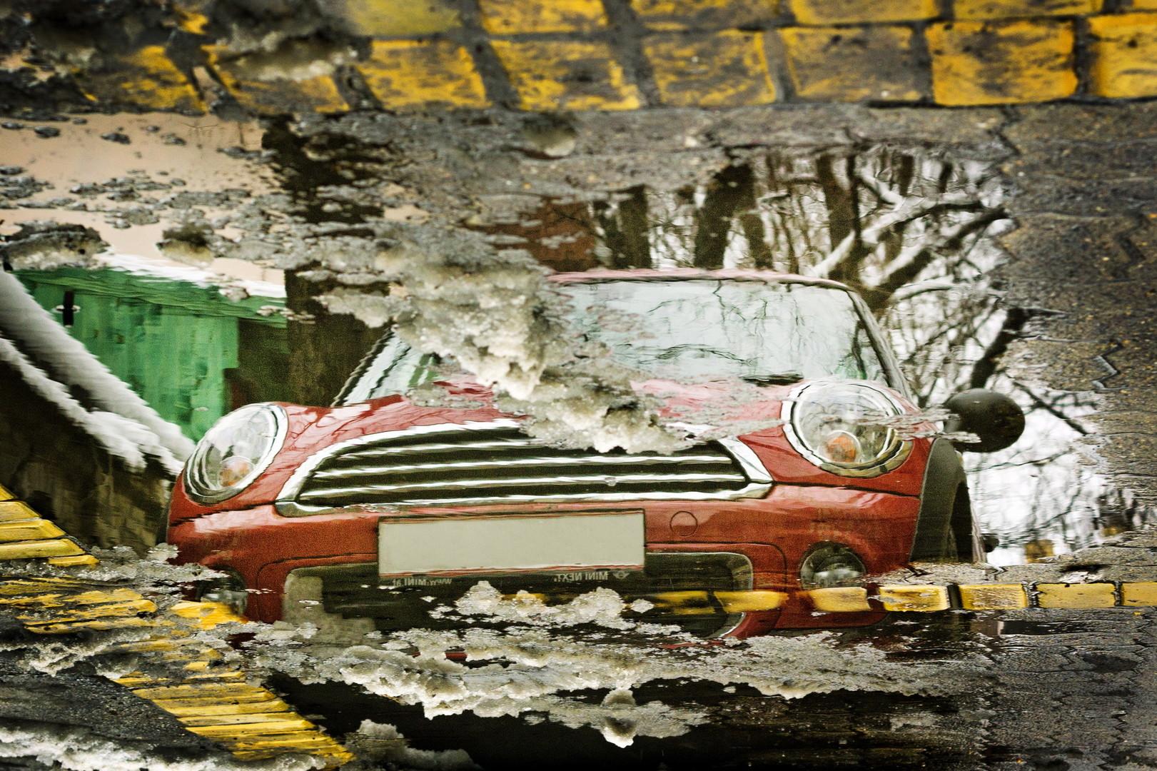 Crveni auto
