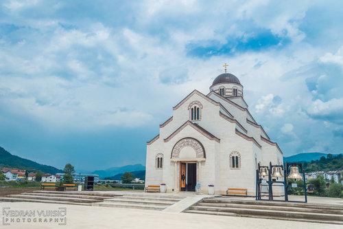VedranMNE Hram svetog cara Lazara i Kosovskih mučenika