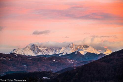 VedranMNE Zalazak sunca na Komovima pod snijegom