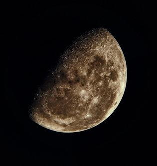 ZETOVIC Mesec