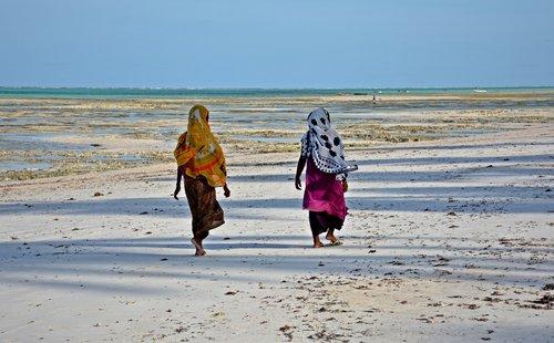 amy15 Šetnja na plaži