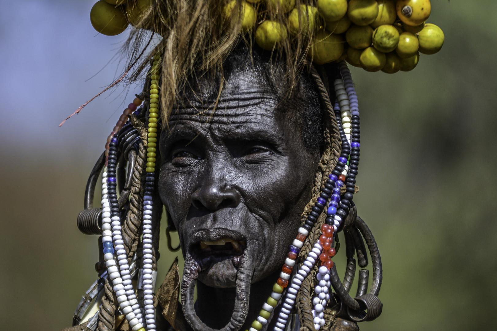 žena plemena Mursi