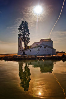 anaumceski corfu reflection