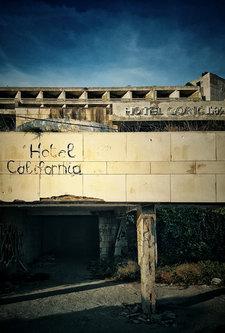 anaumceski Hotel California