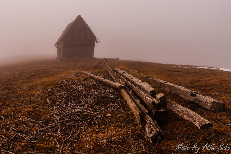 Koliba u magli
