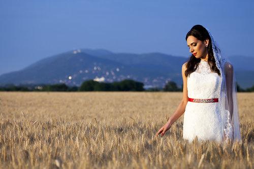 avram013 Bride