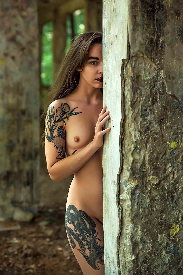 Žena s tetovažom