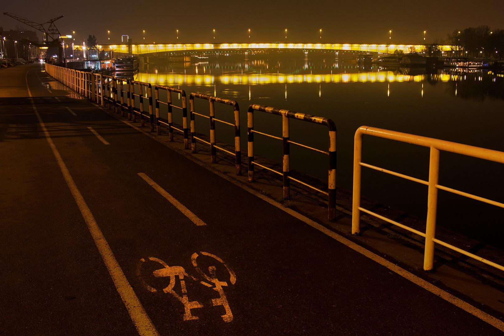 Most i bicikl