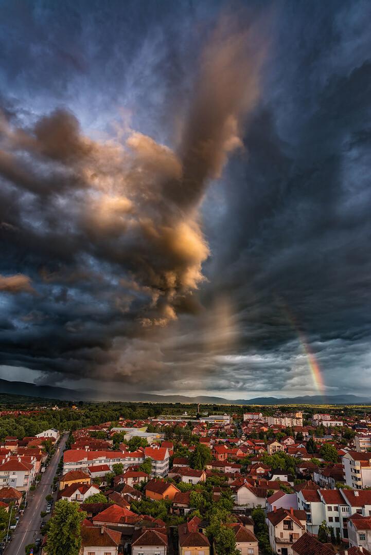 Pod oblakom, kiša