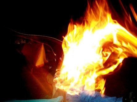 djLeki gori vatra