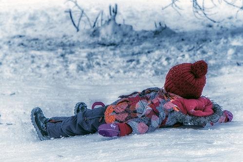 dragan otisak u snegu