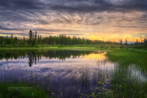 dramil Jezero u sumrak