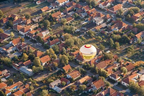 drgrba Male kuće, mali ljudi, mali baloni